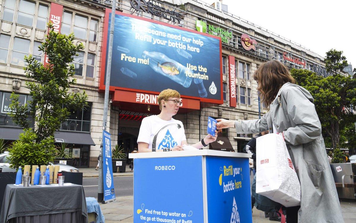 In UK kann man diesen Fisch nun aus der Wasserflasche befreien (Foto: Ocean Outdoor)