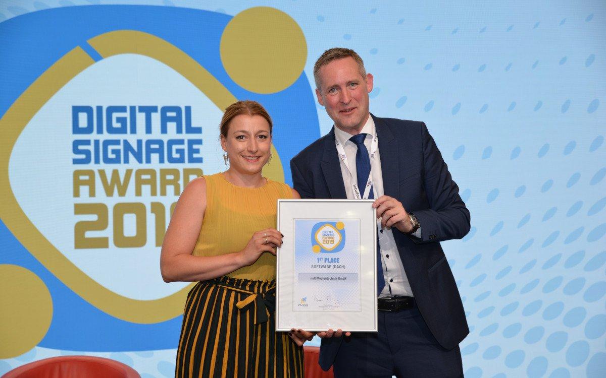 Janine Räsch / MDT – Top 3 DACH Digital Signage Software (Foto: invidis)