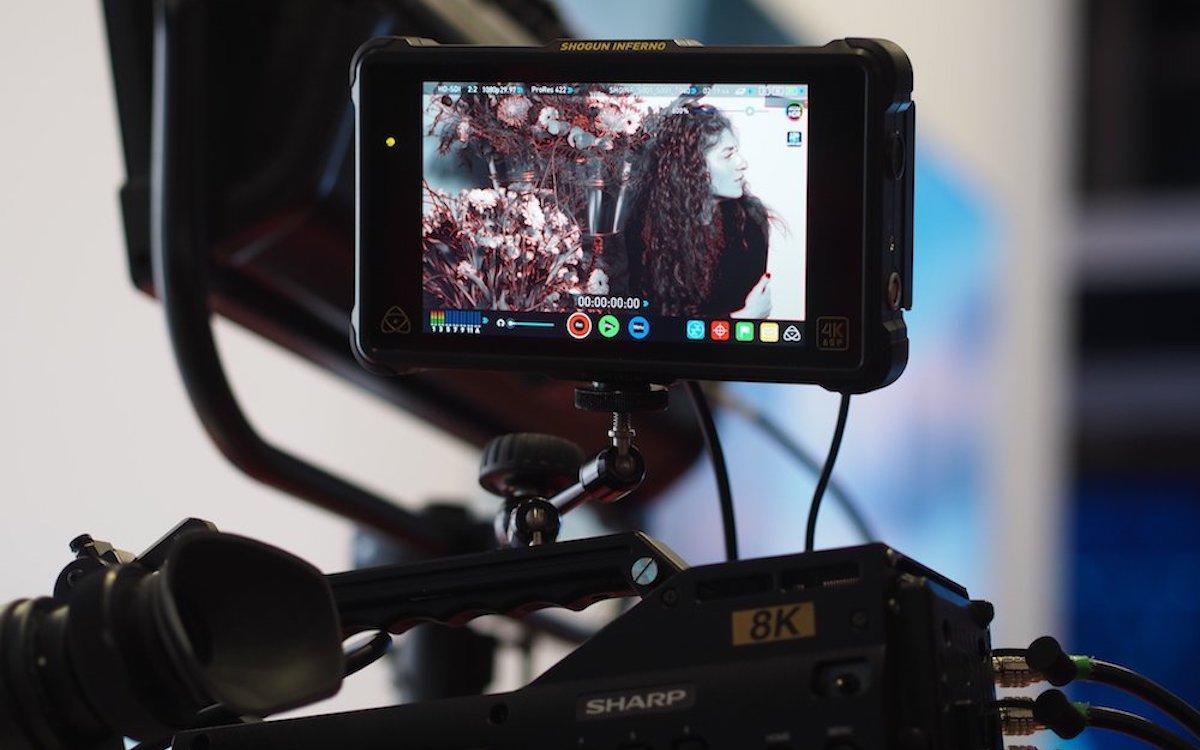 8K-Camcorder von Sharp auf der ISE 2018 (Foto: invidis)