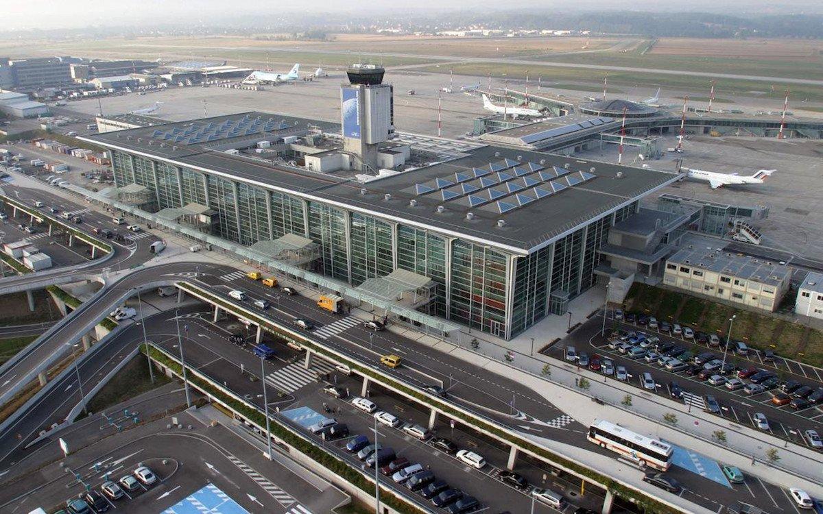 Der EuroAirport in Basel aus der Vogelperspektive (Foto: APG SGA)