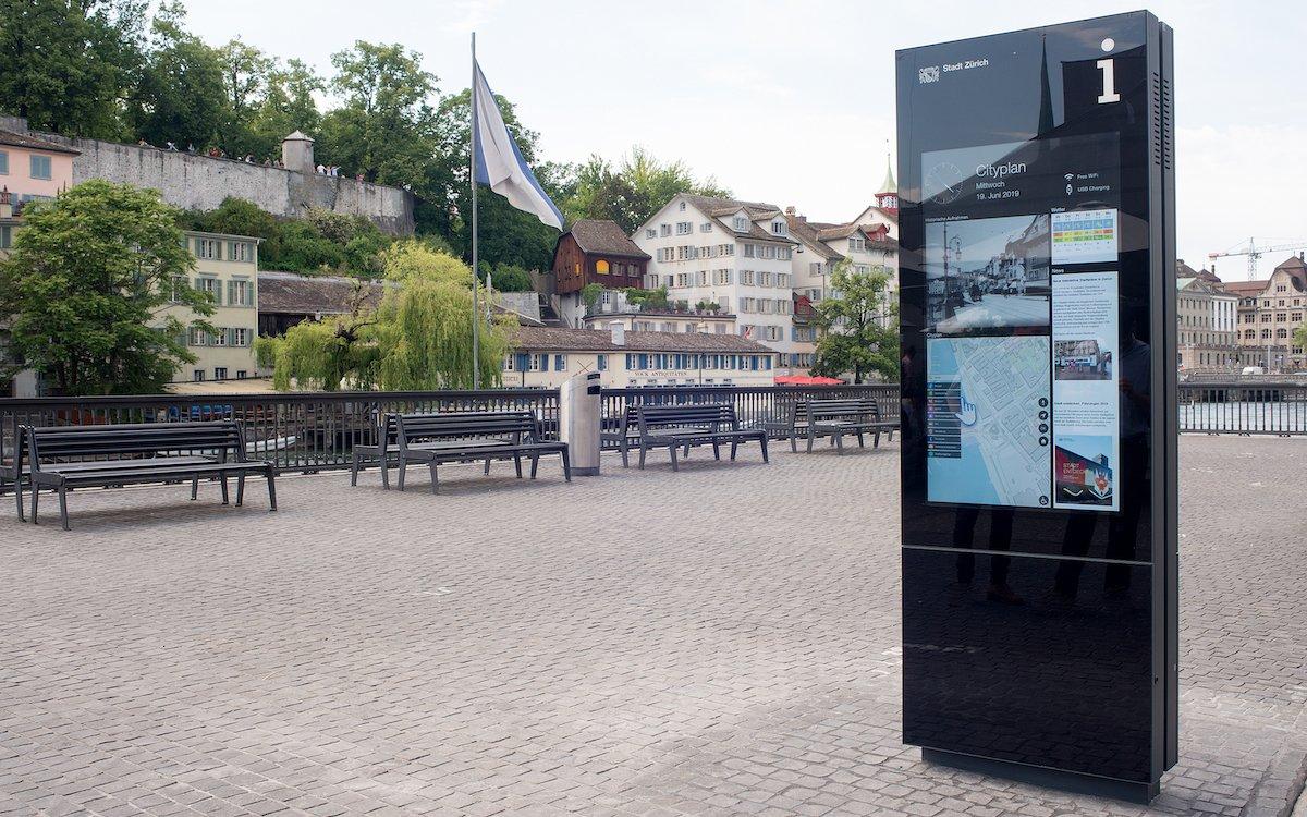 Interaktiver Cityplan am Limmatquai (Foto: Stadt Zürich, Amt für Städtebau)