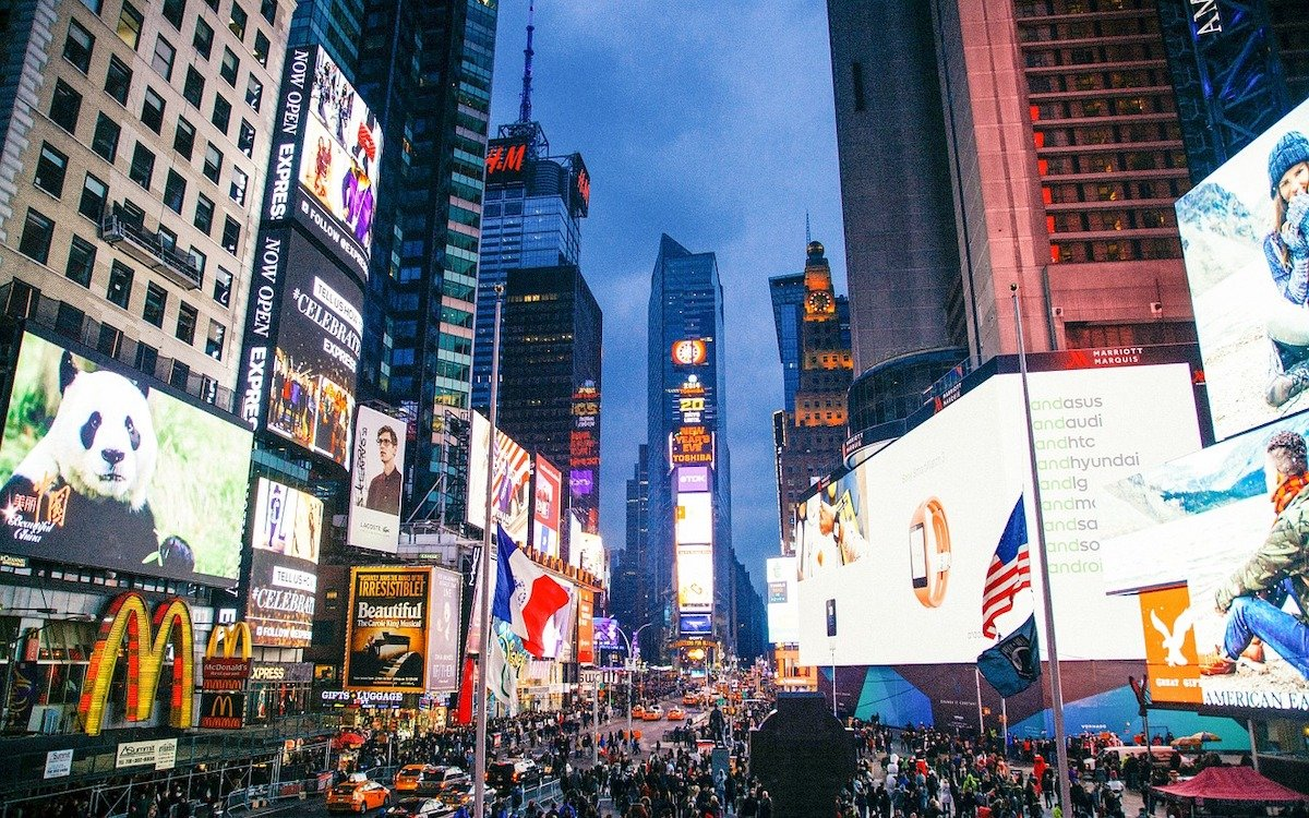 LED Screens am Times Square in New York (Foto: Pixabay / Foundry)