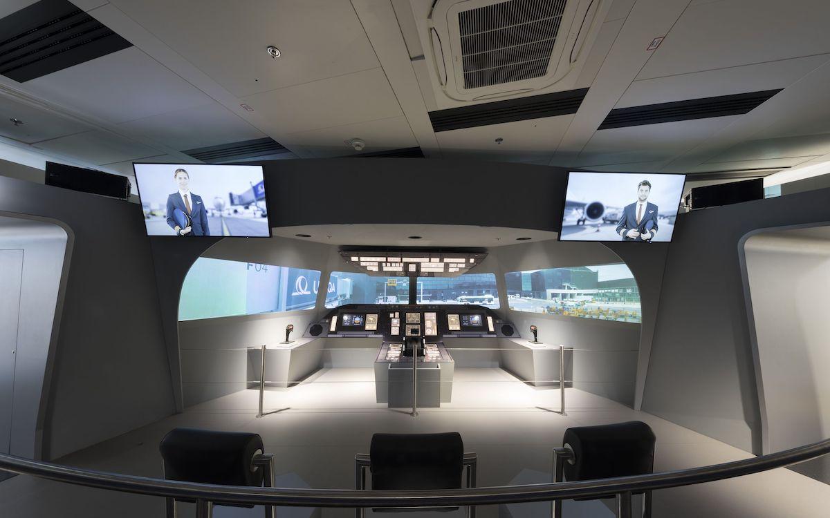 Mittels Laserprojektion können Besucher des Flughafens nun den Alltag der Piloten hautnah erleben (Foto: Christie)