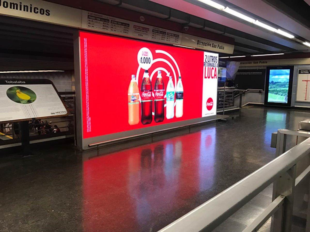 Werbung auf einem der neuen LED Screens (Foto: Absen)
