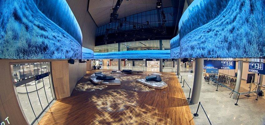 Samsung LED am Flughafen Helsinik (Foto: Samsung/ HEL Airport)