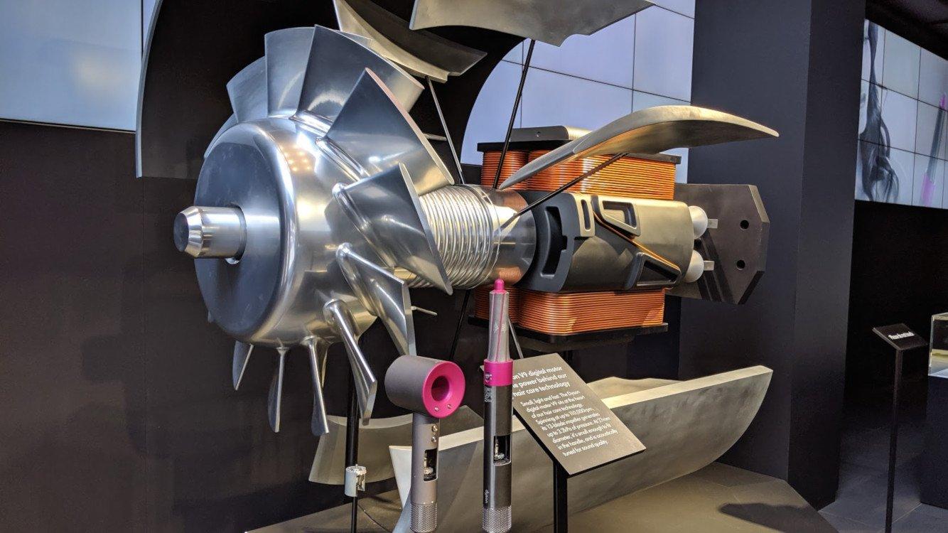 The Motor is the star - Dyson Demo Store in The Dubai Mall (Photo: invidis)