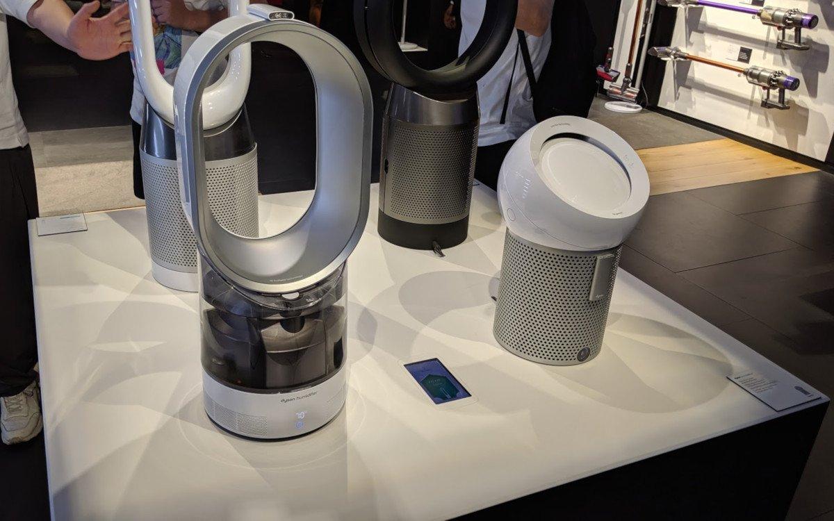 Integrated mini displays are definitely too small - Dyson Demo Store in The Dubai Mall (Photo: invidis)