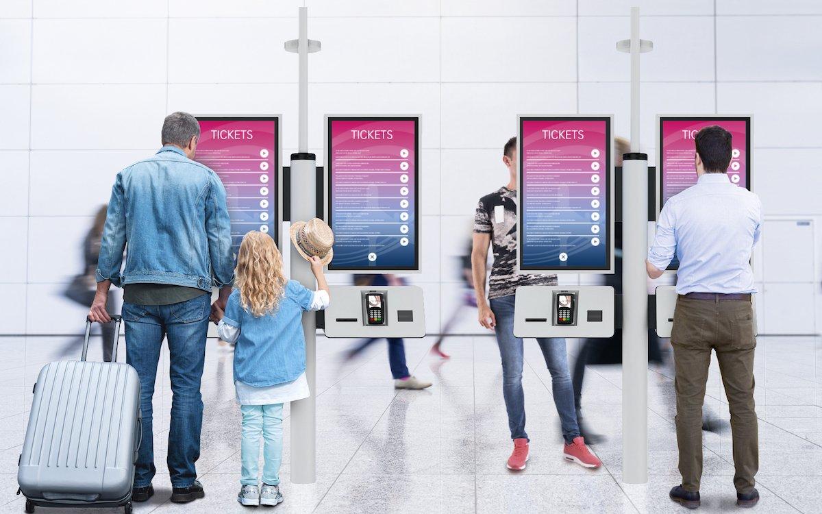 Pro Kiosk sind vier Touchscreens installiert (Foto: Pyramid)