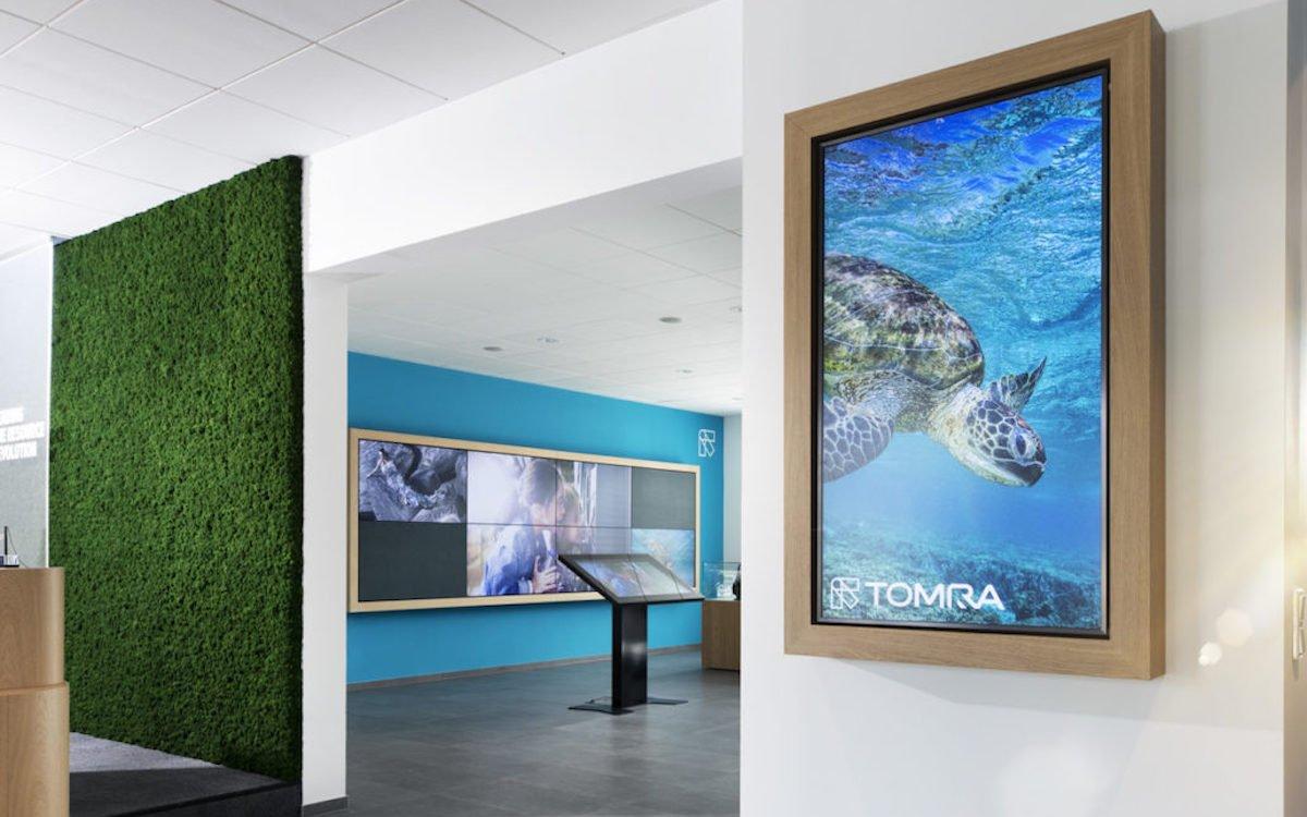 Tomra nutzt in Langenfeld interaktive Lösungen und Info-Screens (Foto: Medivas)