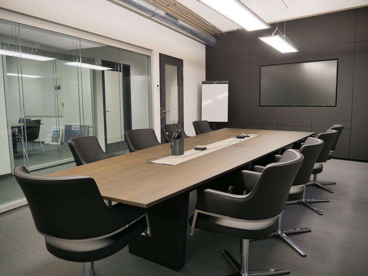 Aktuell sind drei Räume mit 75-Zöllern ausgestattet (Foto: NEC Displays Solutions)