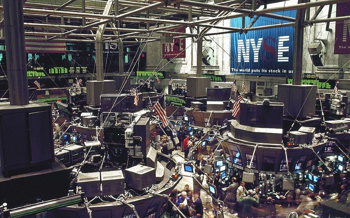 Handelssaal einer Börse, hier der NYSE in New York (Foto: Pixabay / skeeze)