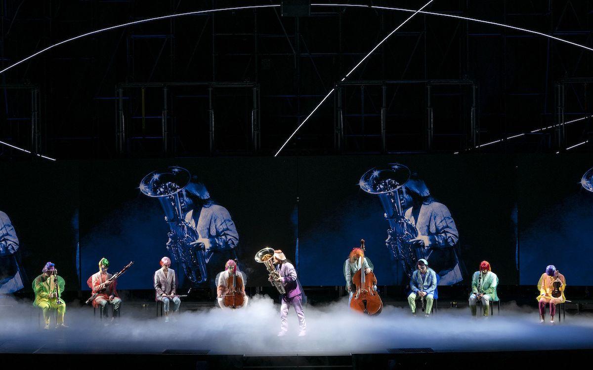 Szene mit Orchesterfinalisten am dritten Tag der Aufführung (Foto: Ruth & Martin Walz / Dutch National Opera)