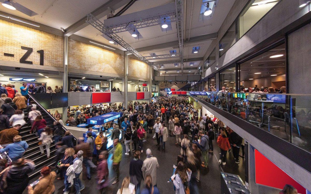 APG vermarktet nun auch 75 Screens im Hallenstadion Zürich 8Foto: APG)