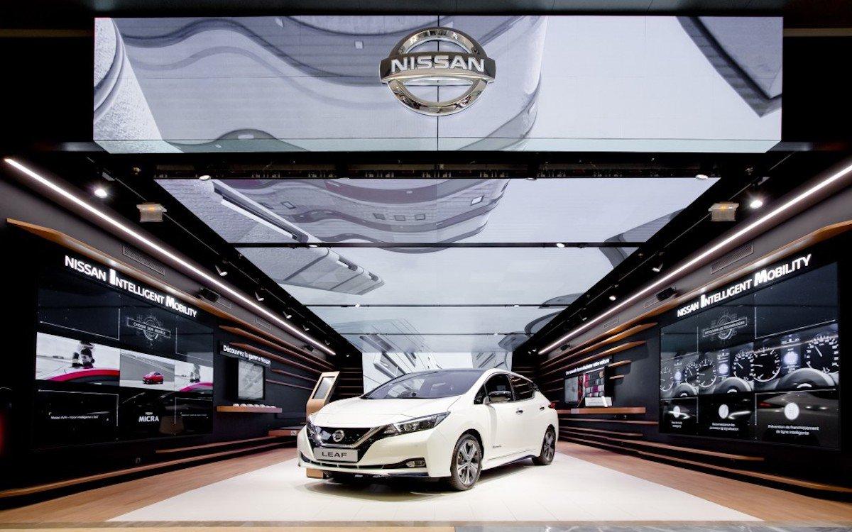 LED und Screens sind wichtige Elemente des neuen Flagships von Nissan (Foto: Mood Media)