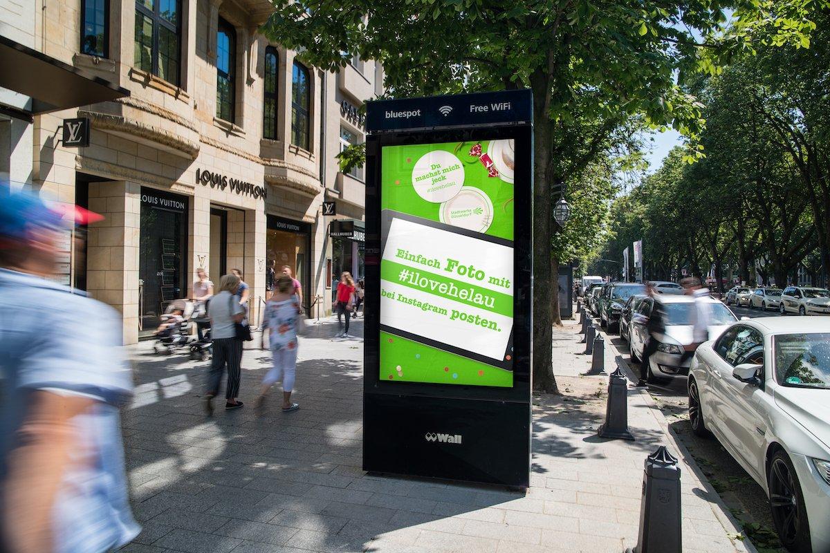 Über den Kanal Mobile wird Social Media in OoH-Kampagnen einbezogen (Foto: WallDecaux)