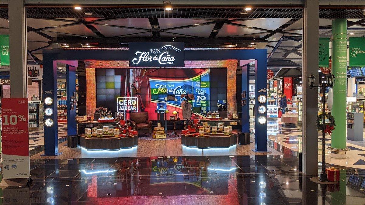 Aus Videowall wird Kunst - Dufry Travel Retail Flughafen Barcelona (Foto: invidis)