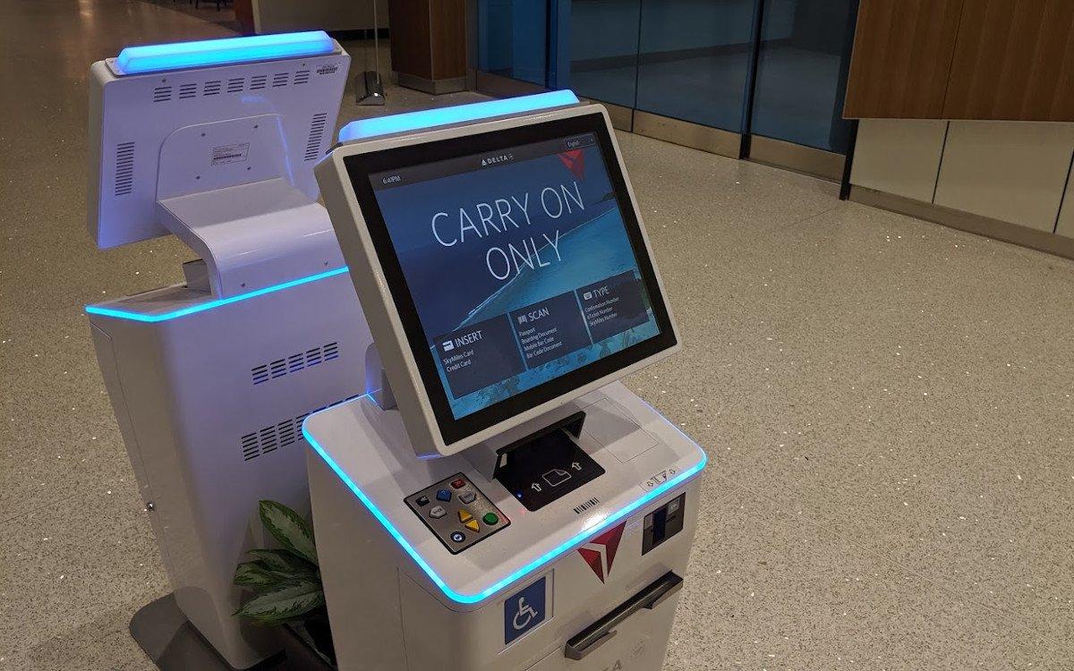 Delta Check-in Kiosk der neusten Gernation am Flughafen New Orleans (Foto: invidis)