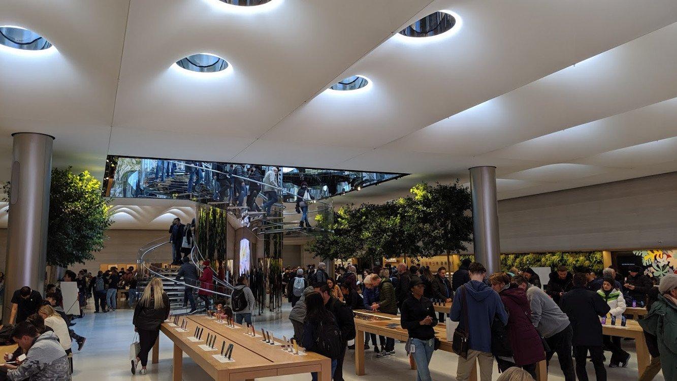 Gläserne Dachluken im Apple Store 5th Avenue (Foto: invidis)