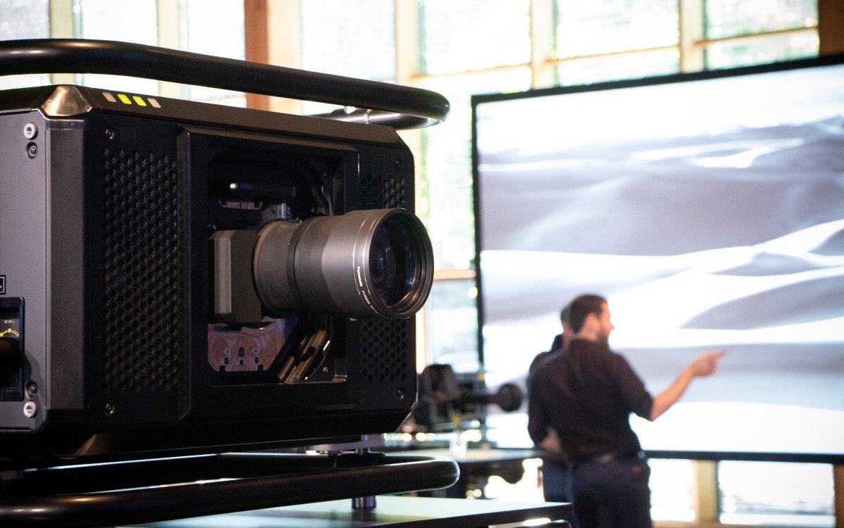 Panasonic PT-RQ50K Large Venue Projektoren (Foto: Panasonic / Lang)