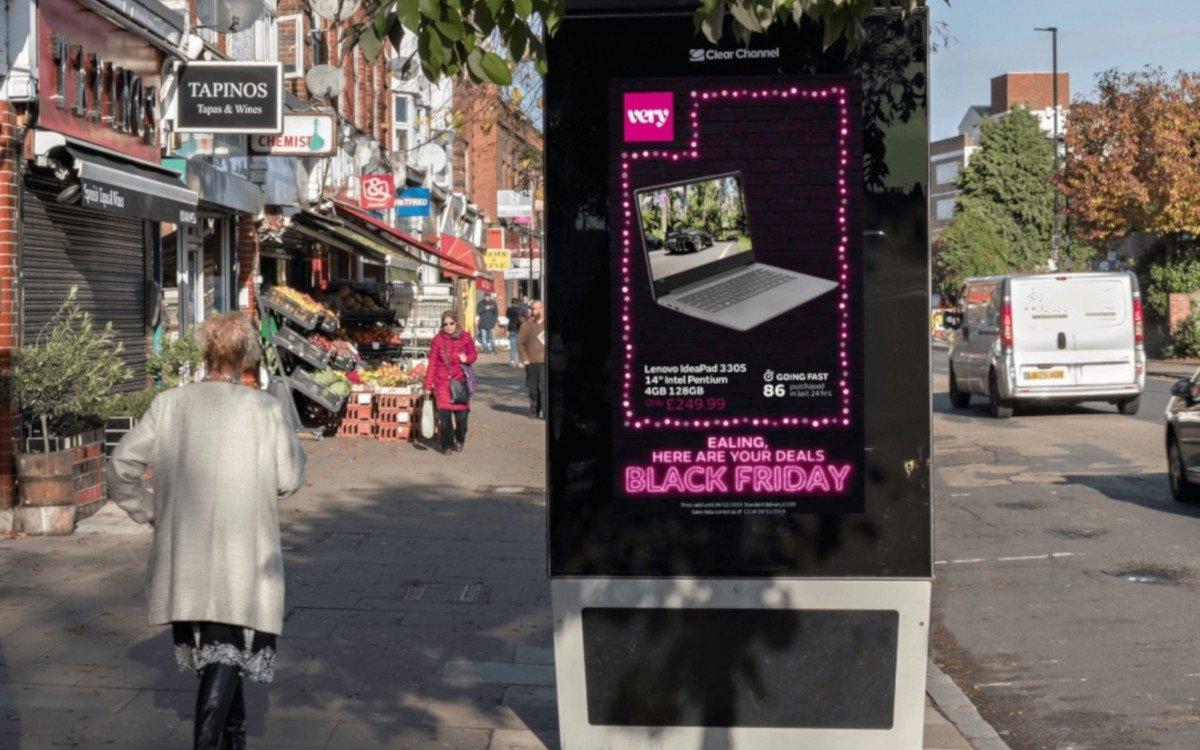 Programmatische DooH-Planung und Kreation von very.co.uk (Foto: Posterscope)