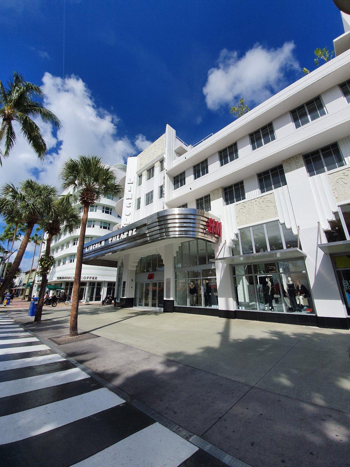 H&M Lincoln Road im Herzen von Miami Beach (Foto: umdasch)
