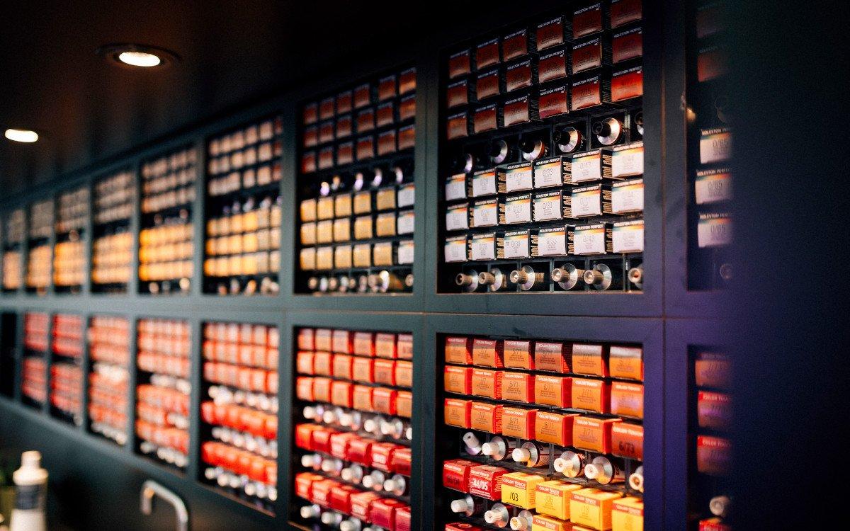 Wella Professional Salon - Farbauswahl (Foto: Wella / Coty)