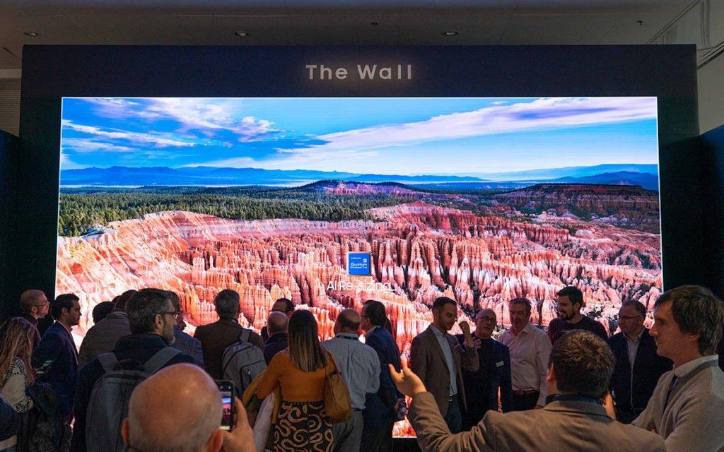 The Wall for Business ist das Highlight am Samsung Stand auf der ISE (Foto: Samsung)