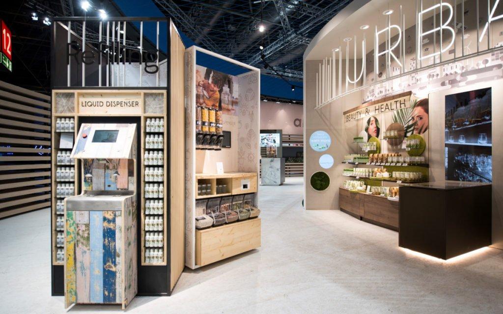Der Liquid Dispenser: die serienreife Lösung zum Wiederbefüllen von Verpackungen war bei den EuroShop-Besuchern besonders gefragt. (Foto: Umdasch)