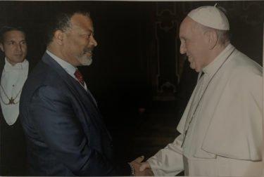 Mike Blackman (ISE) traf den Papst in Rom (Foto: Vatikan)