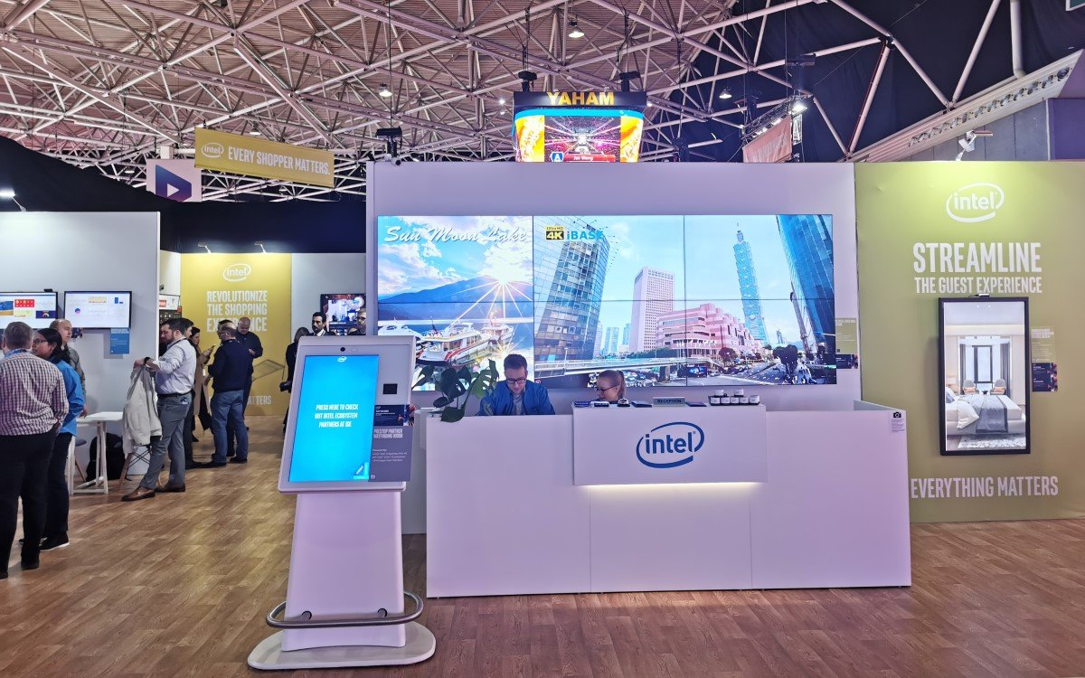 Intel Stand ISE 2020