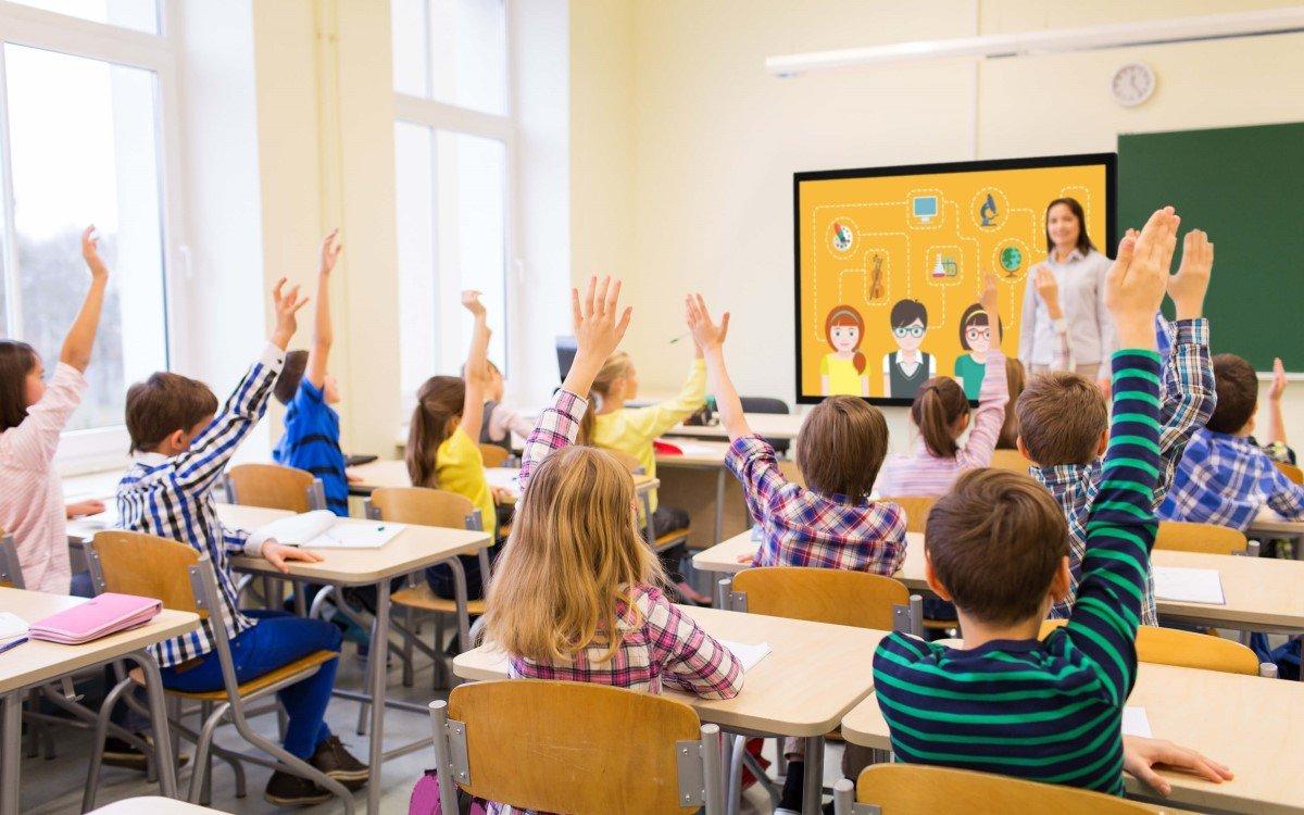 Whiteboard und Displaylösungen für Schulen und Konferenzräume unterstützen beim digitalen Lernen (Foto: Vestel)