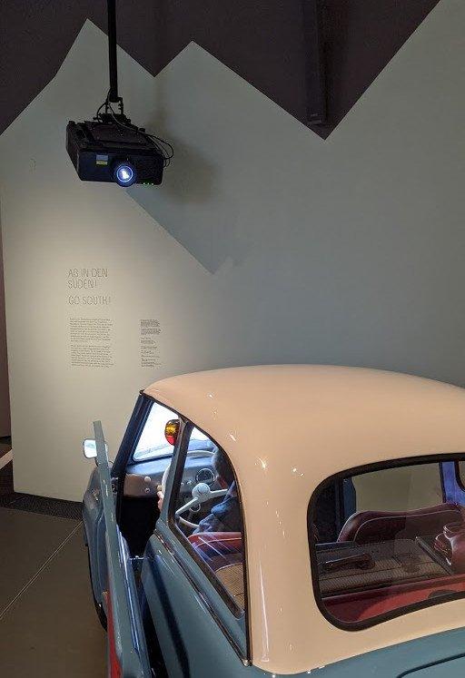 Porjektion meets Gogomobil Frontscheibe im Haus der bay. Geschichte (Foto: invidis)