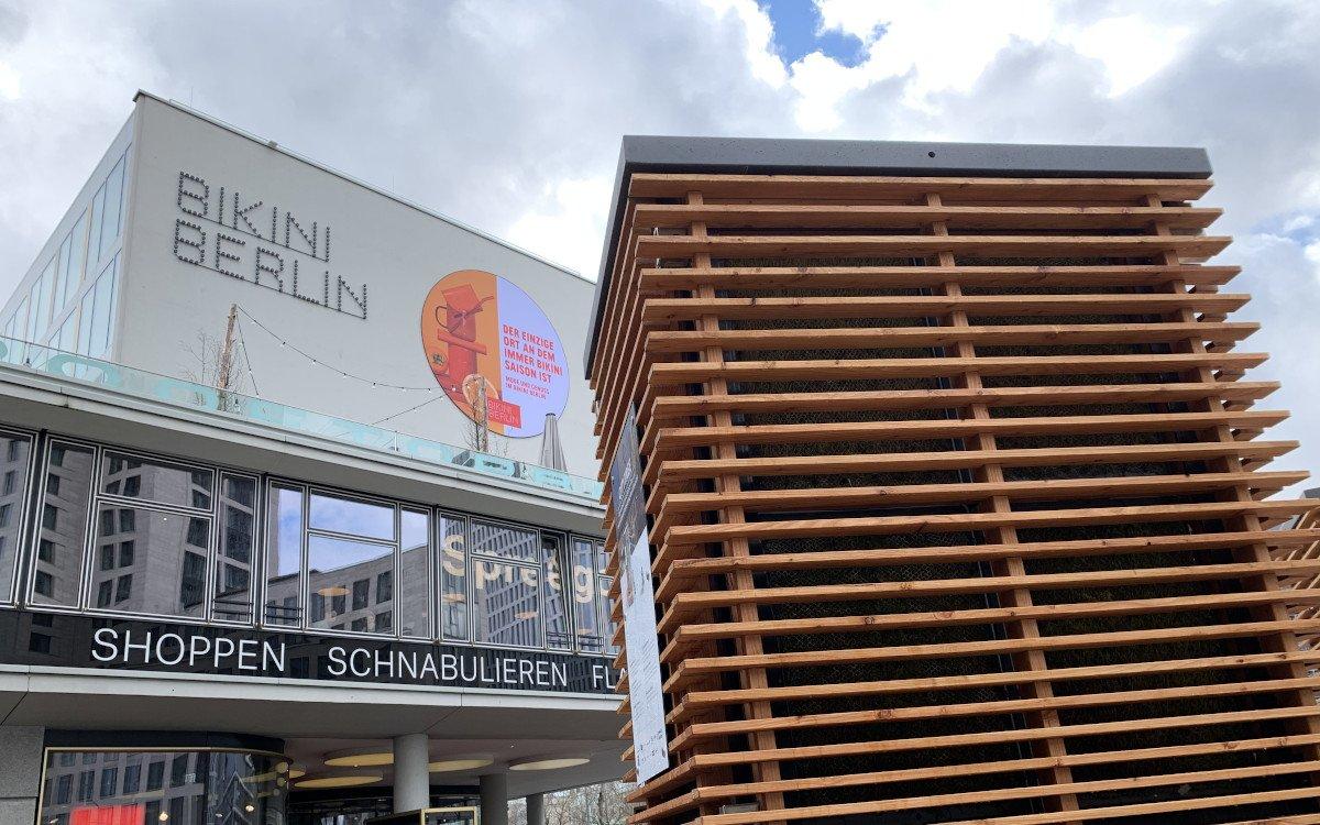 Street Furniture with Purpose – Ein CityTree vor dem Bikini in Berlin (Foto: invidis)