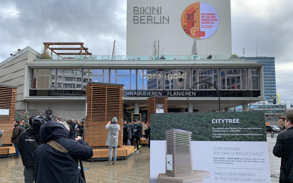 Smarte Stadtmöblierung mit Zusatznutzen (Foto: invidis)
