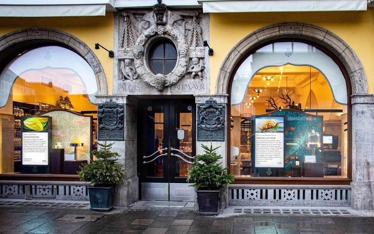 In 19 verschiedenen Abteilungen warten im Dallmayr Delikatessenhaus München täglich über 6000 frische Produkte und 130 Verkäufer auf die Kunden (Foto: Wedeko)