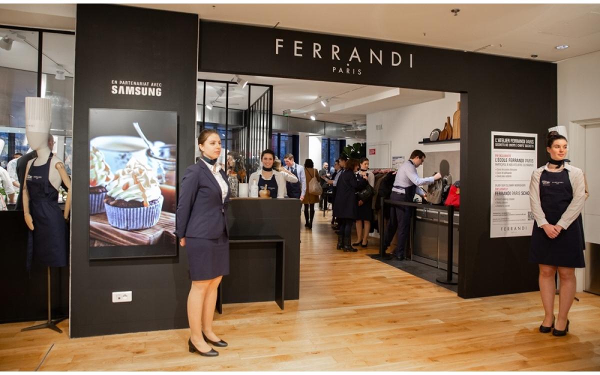 Im Samsung-Kochstudio im Kaufhaus Lafayette in Paris kommen neben den Geräten des koreanischen Techkonzerns auch verschiedene Displays-Lösungen zum Einsatz (Foto: Samsung)