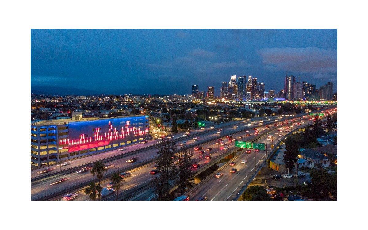 Prelude LA Medienfassade in Los Angeles (Foto: Robhana Group)
