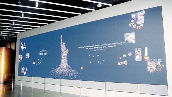 Die 40 Quadratmeter große LED-Wand im Statue of Liberty Museum lädt Touristen in die interaktive Galerie am Fuße der Statue (Foto: Unilumin)