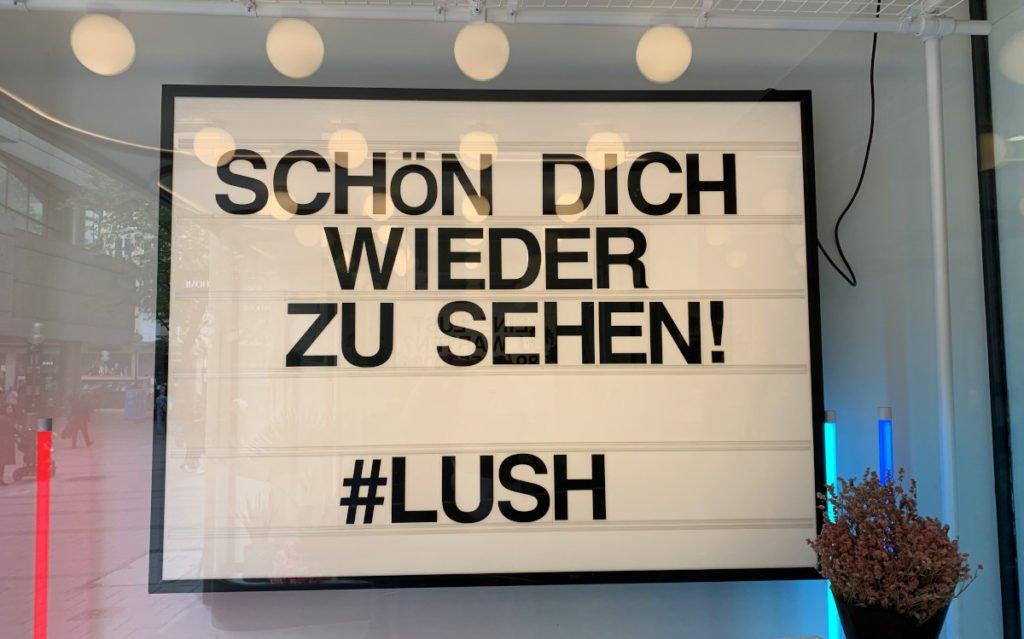Auch bei Lush freut man sich wieder auf die Kunden (Foto: invidis)