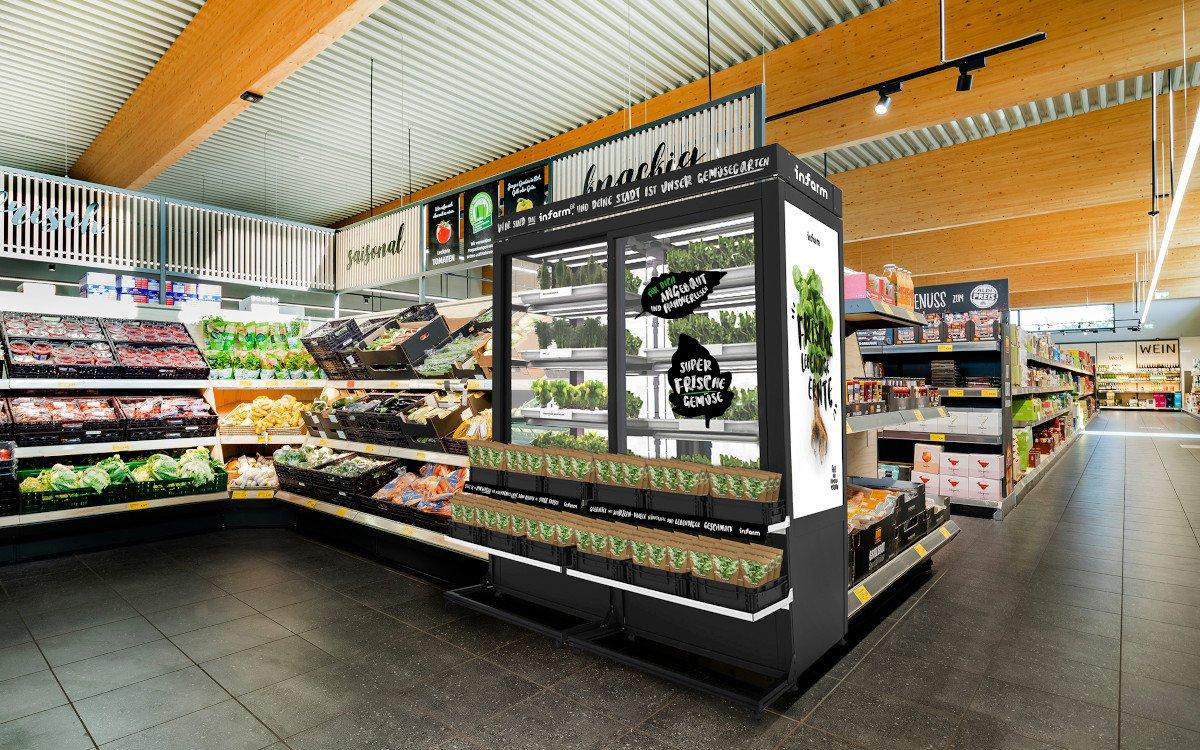 Indoor-Farming in gläsernen Schränken bei Aldi Süd (Foto: Aldi Süd)
