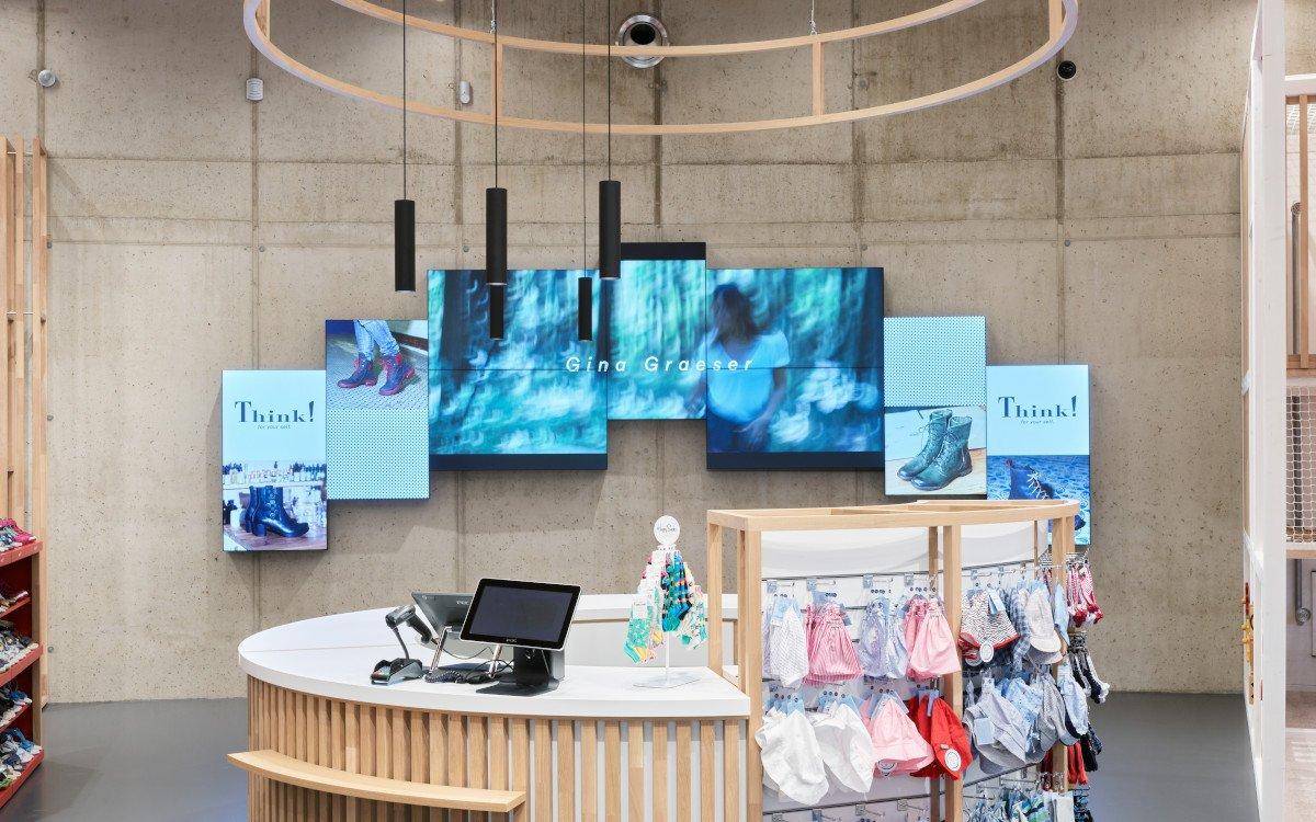 Artistic Videowall im Kassenbereich von Legero United (Foto: Umdasch)