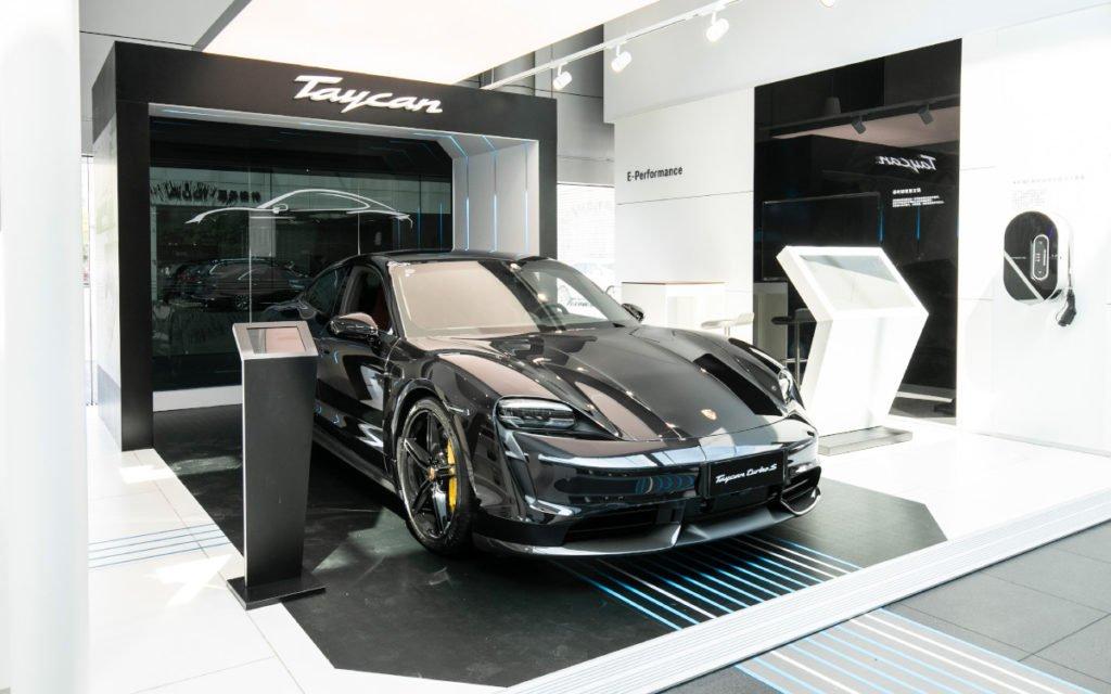 e-Mobilität wie der neue Tycan sind die Highlights bei Porsche (Foto: Porsche)