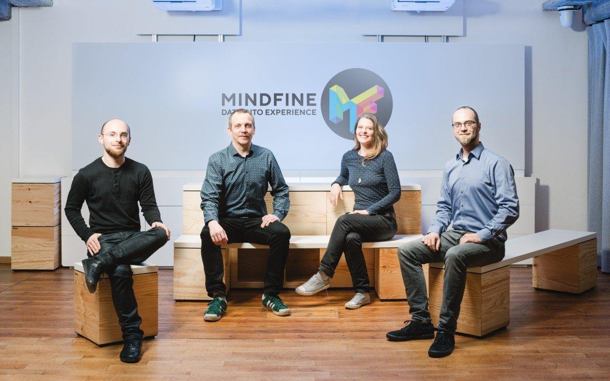 Das Team von mindfine (v.l.n.r.): Benjamin Assig, 3D-Artist und Art-Director; Oliver Eichner, Softwarearchitekt und CTO; Laura Teuber, Informationsdesignerin, zuständig für Vertrieb/Marketing und UX-Design; Matthias Ewald, Technical Artist und CEO von Mindfine (Foto: macom)