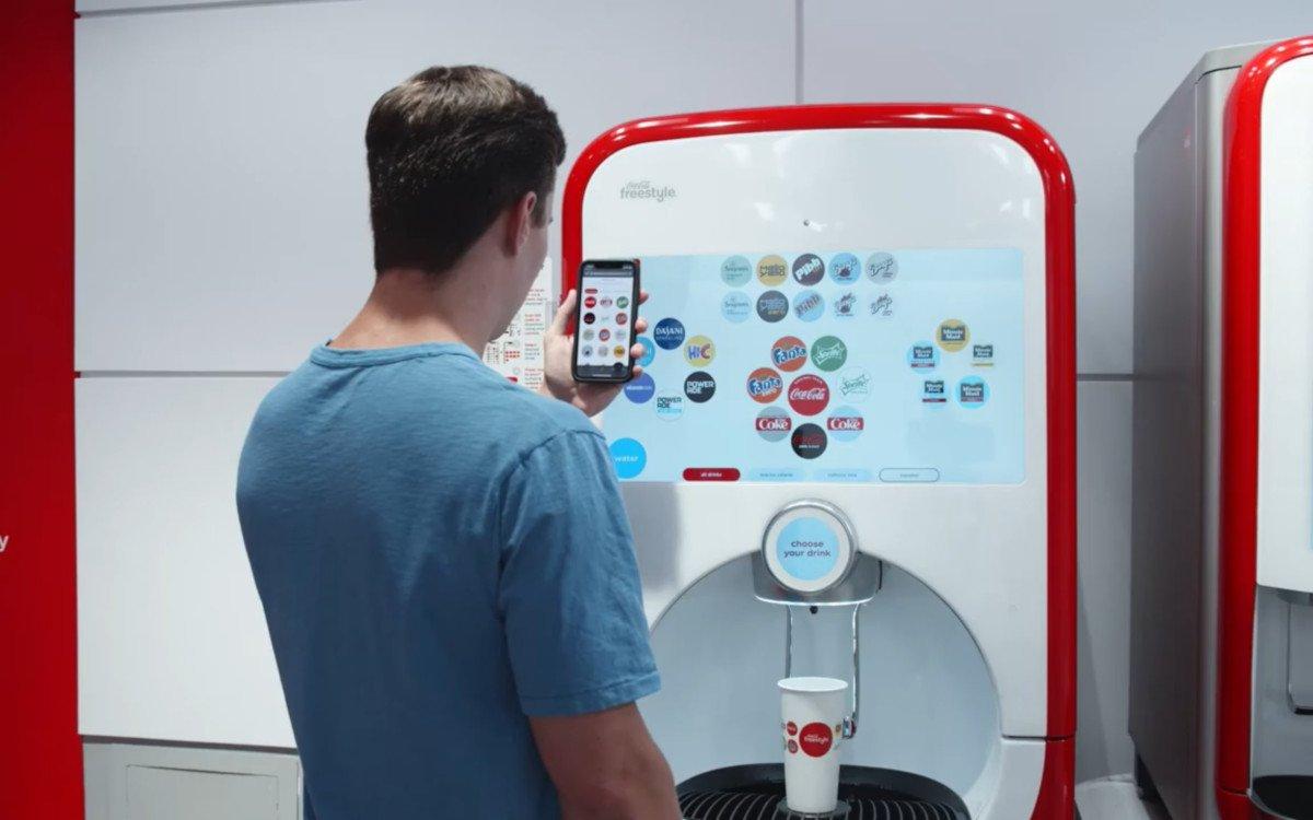 Coca-Cola ermöglicht kontaktloses zapfen (Foto: Coca-Cola)