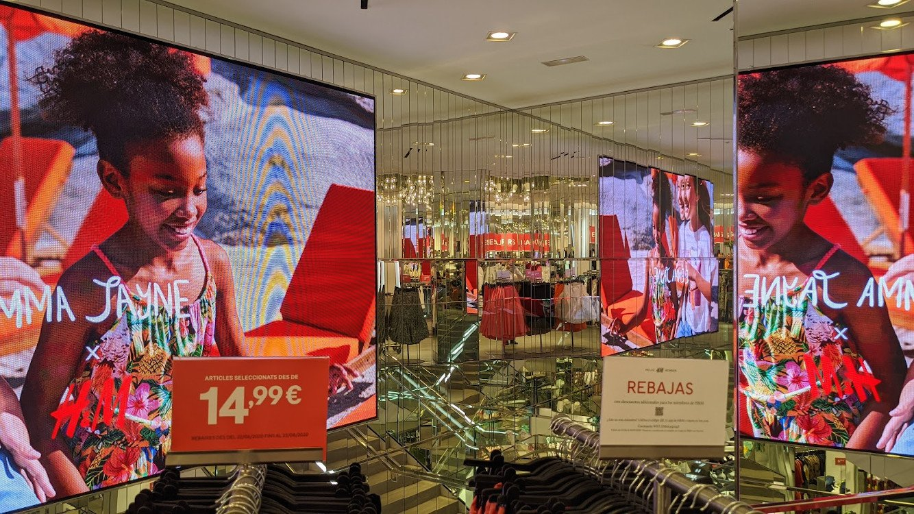 LED -Spiegeleffekte bei H&M in Barcelona (Foto:invidis)