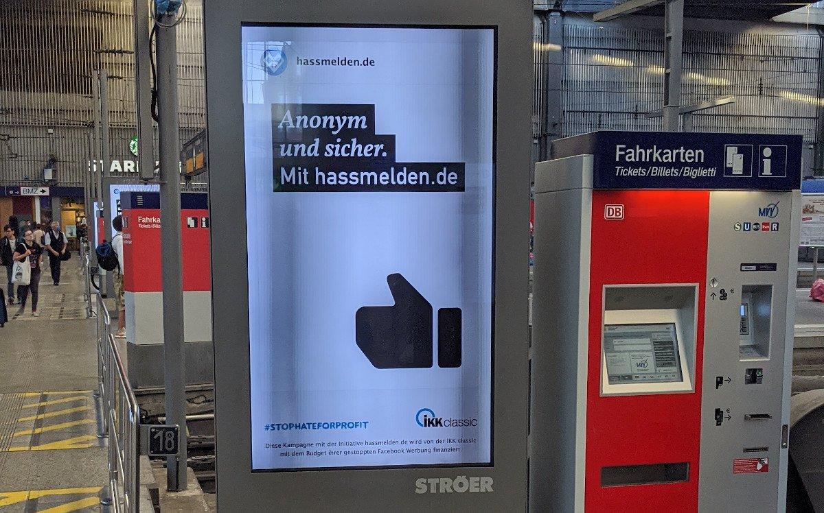 hassmelden.de - DooH Kampagne der IKK Classic (Foto: invidis)