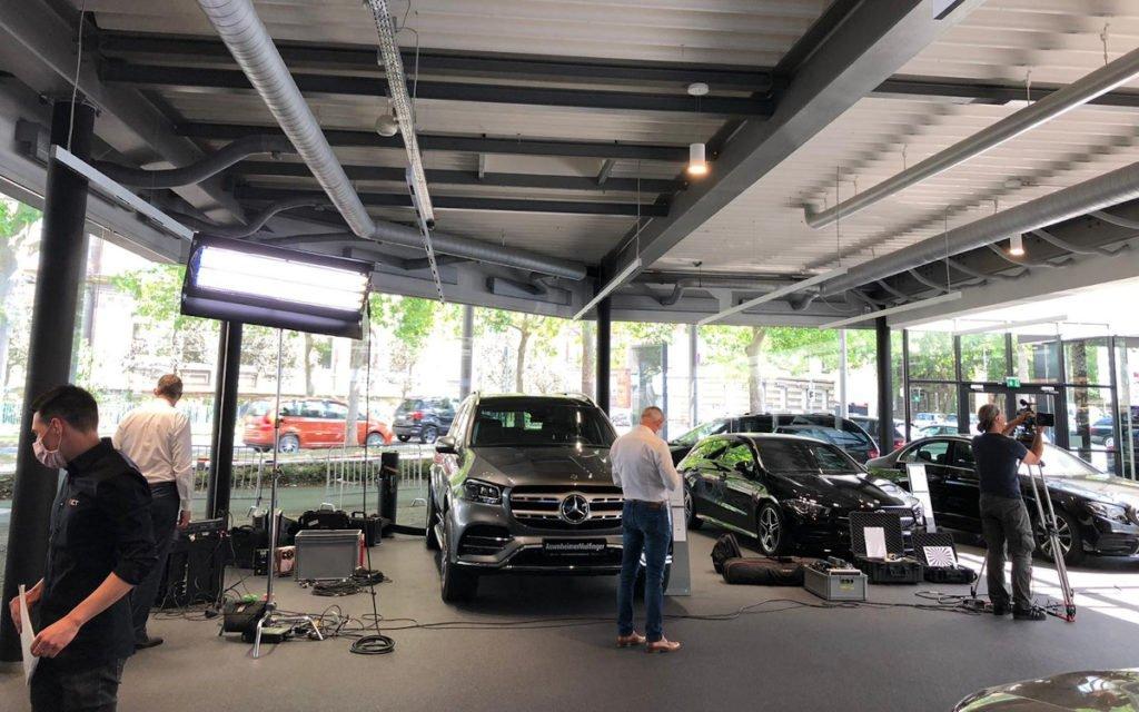 Wenig Platz in Autohäuser in Corona-Zeiten (Foto: invidis)