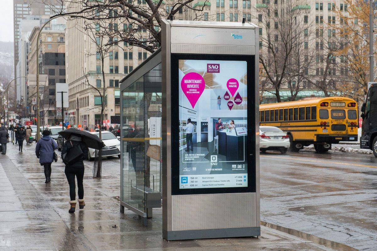 DooH-Screen von Quebecor in Montreal (Foto: Quebecor)