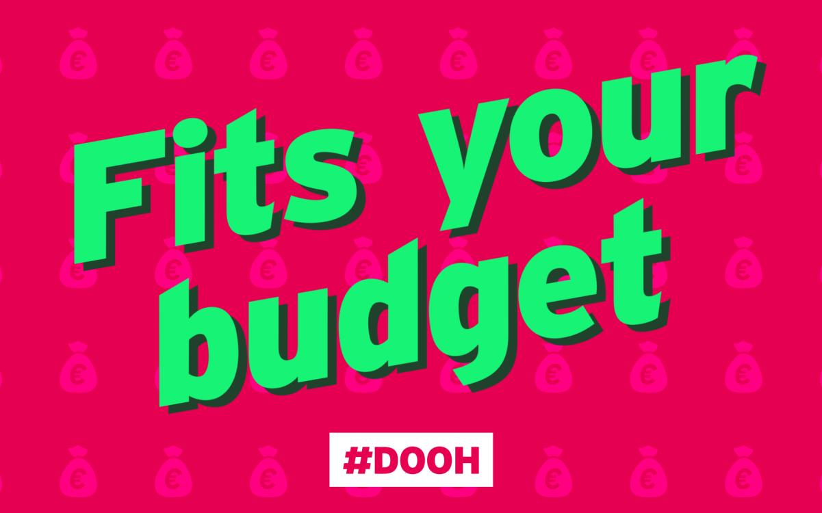 Fits your budget – Die DooH-Branche wirbt derzeit im eigenen Medium für sich (Foto: DMI)
