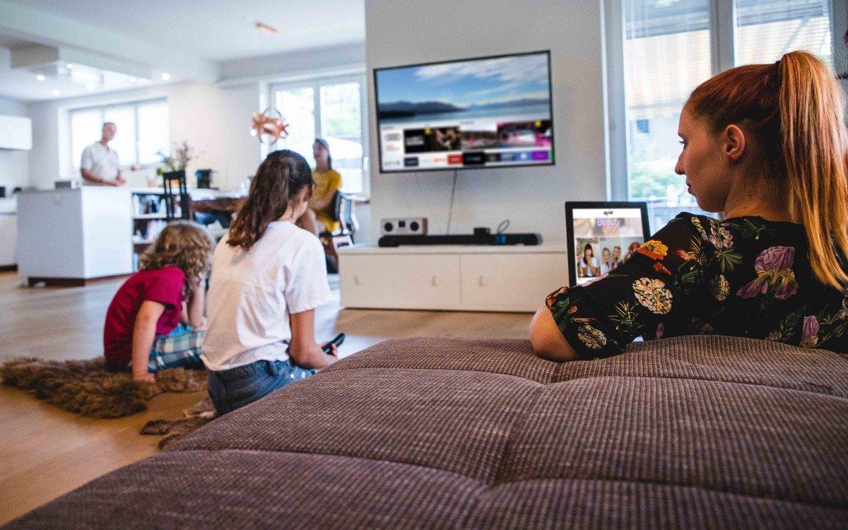 Goldbach vermarktet in Österreich künftig Samsung Ads, gezielte Werbeeinblendungen im TV-Programm von Samsungs Smart TV (Foto: Goldbach)